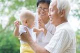 Nghiên cứu: Trông cháu giúp ông bà sống thọ hơn