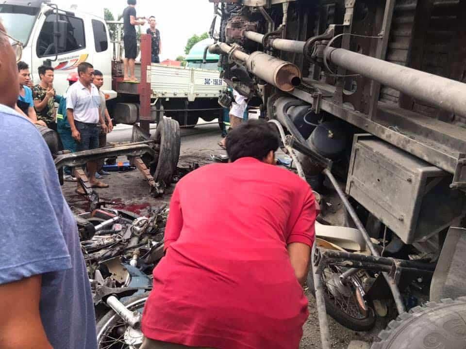 tai nạn thảm khốc, chết do bị xe tải đè