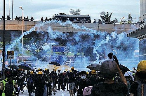 Hồng Kông, biểu tình Hồng Kông, lựu đạn hơi cay