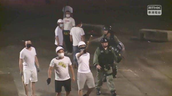 Hồng Kông, biểu tình Hồng Kông, luật dẫn độ, Côn đồ tấn công người biểu tình