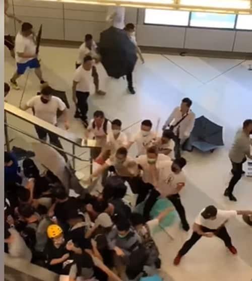 Hồng Kông, biểu tình Hồng Kông, Côn đồ tấn công người biểu tình
