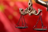 Tại các quốc gia độc tài, vì sao luật pháp thường bị tha hóa?