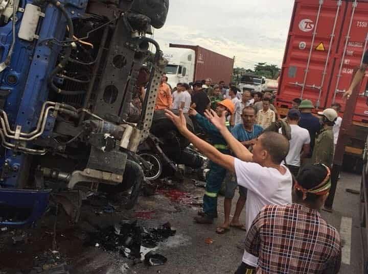 ô tô tải lật đè tử vong, tai nạn giao thông thảm khốc