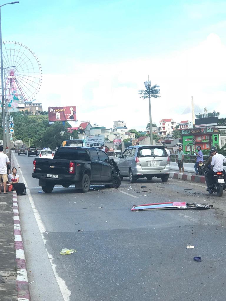 tai nạn kinh hoàng tại quảng ninh, tai nạn chân cầu Bãi Cháy