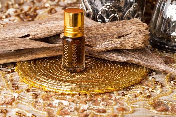 tinh dầu hương trầm, tinh dầu, điều hòa cảm xúc