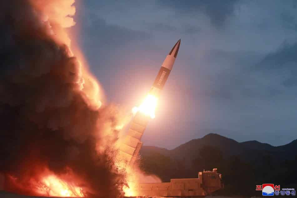 Bắc Hàn phóng thử tên lửa