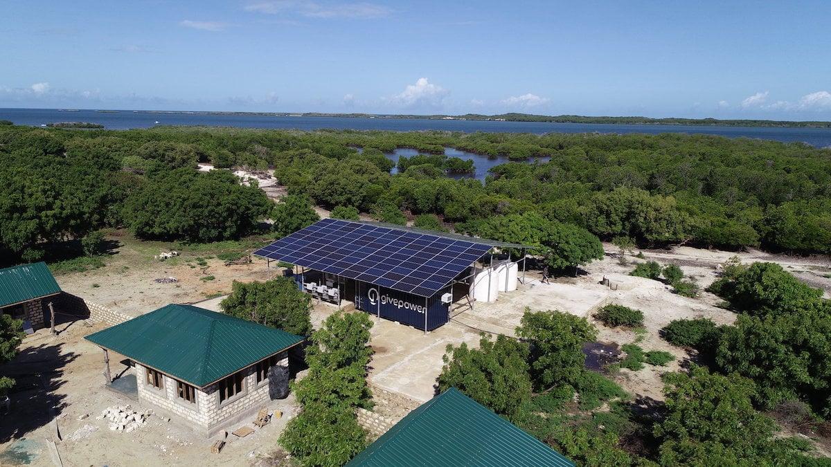 Kenya: Hệ thống điện mặt trời lọc nước biển thành nước ngọt