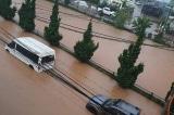 Đà Lạt ngập sâu, đường phố chìm trong biển nước