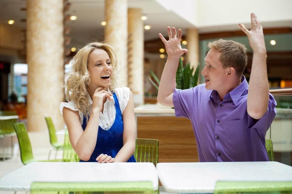 Hiểu về bộ não: Vì sao chúng ta luôn phải quơ tay khi nói?