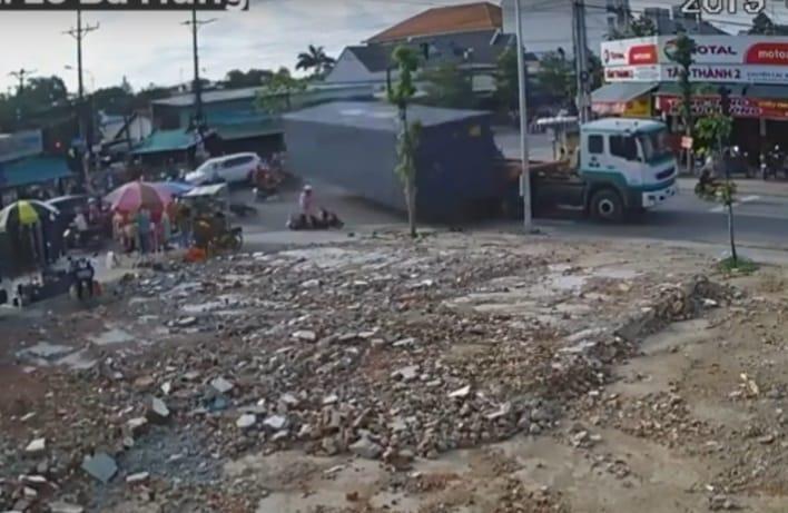 thùng xe container rơi