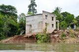 An Giang ban bố tình huống khẩn cấp sạt lở bờ sông Hậu