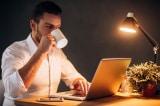 Vì sao có người uống cà phê trước khi đi ngủ mà vẫn ngủ ngon?