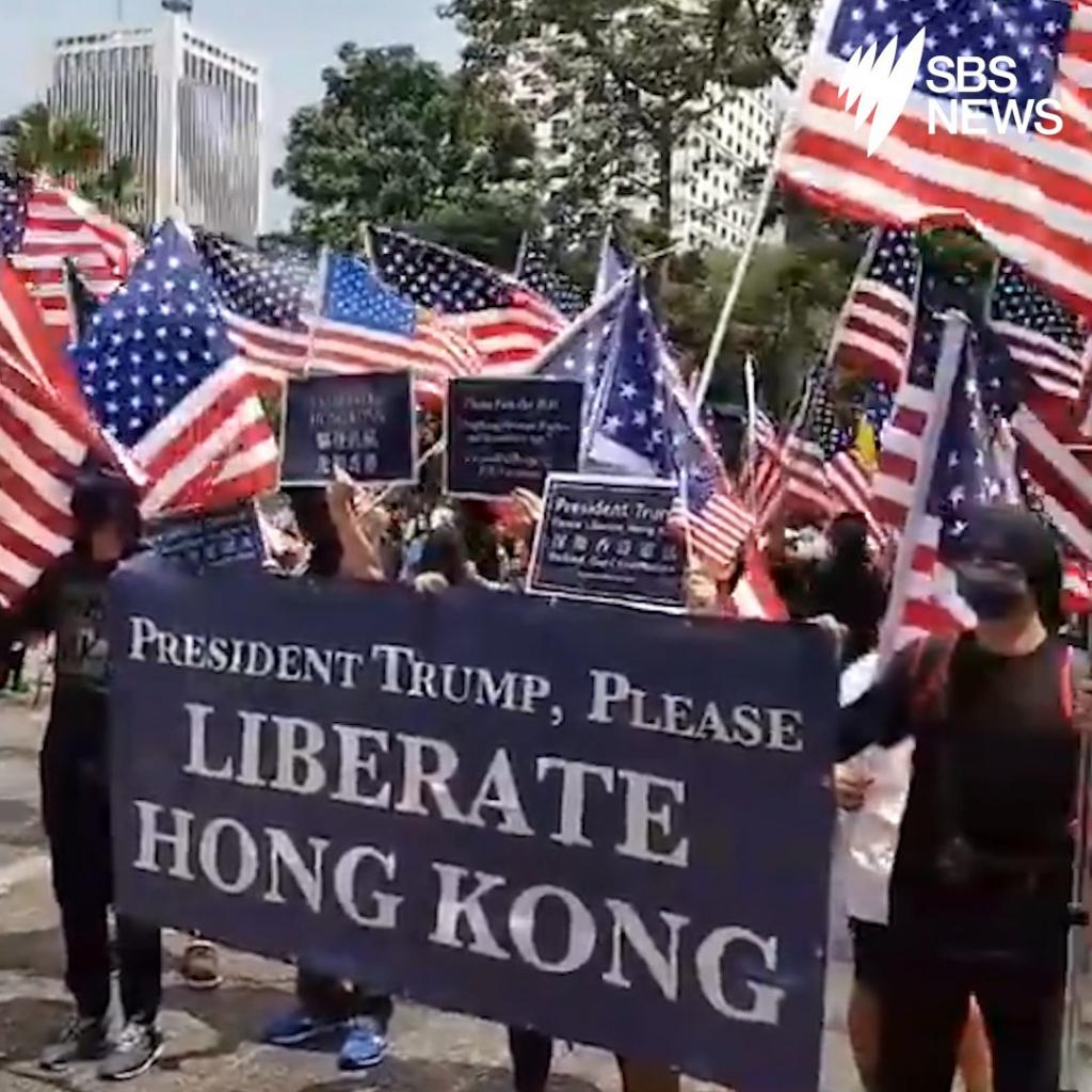 Người biểu tình tập trung gần Lãnh sự quán Mỹ hôm 8/9 để kêu gọi Tổng thống Donald Trump giải phóng Hồng Kông.