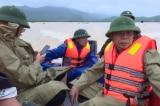 Phó Chủ tịch huyện Tuyên Hóa ông Cao Văn Tín bị lật thuyền