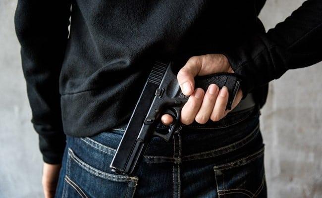 hành động dại dột, súng