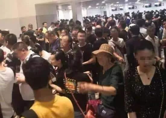 người Trung Quốc rút khỏi Campuchia
