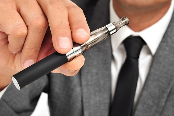thuốc lá điện tử, hành lý xách tay, máy bay