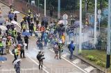 Diễu hành phản đối Luật Khẩn cấp: Quân đồn trú Hồng Kông lần đầu tiên có phản ứng