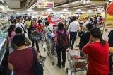 Người Hồng Kông đổ xô đi mua hàng dự trữ như trong thời chiến