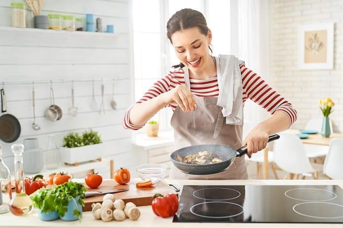 nấu ăn, chế biến thức ăn,