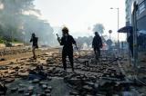 Đôi co giữa cảnh sát và người biểu tình cố thủ tại PolyU vẫn tiếp tục