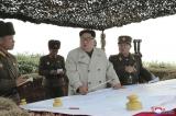 Ông Kim Jong-un giám sát một vụ thử tên lửa của quân đội Bắc Hàn.