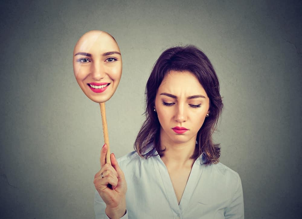 Khi cần thiết phải bộc lộ một cảm xúc tiêu cực vì không dồn nén nổi, thì nên làm thế nào