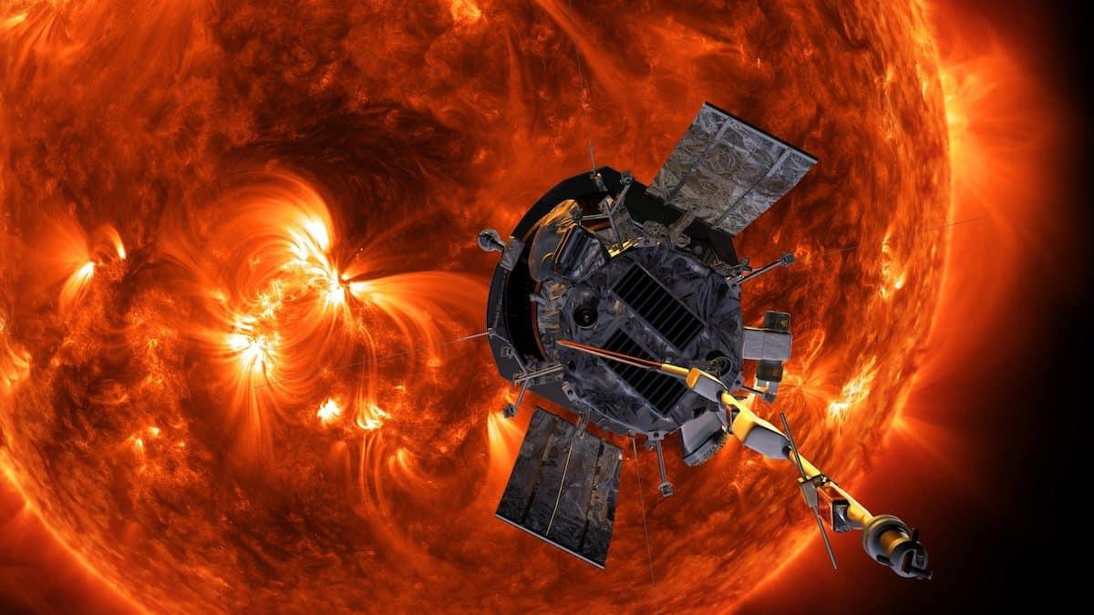 Mặt Trời nhờ tàu thăm dò Parker