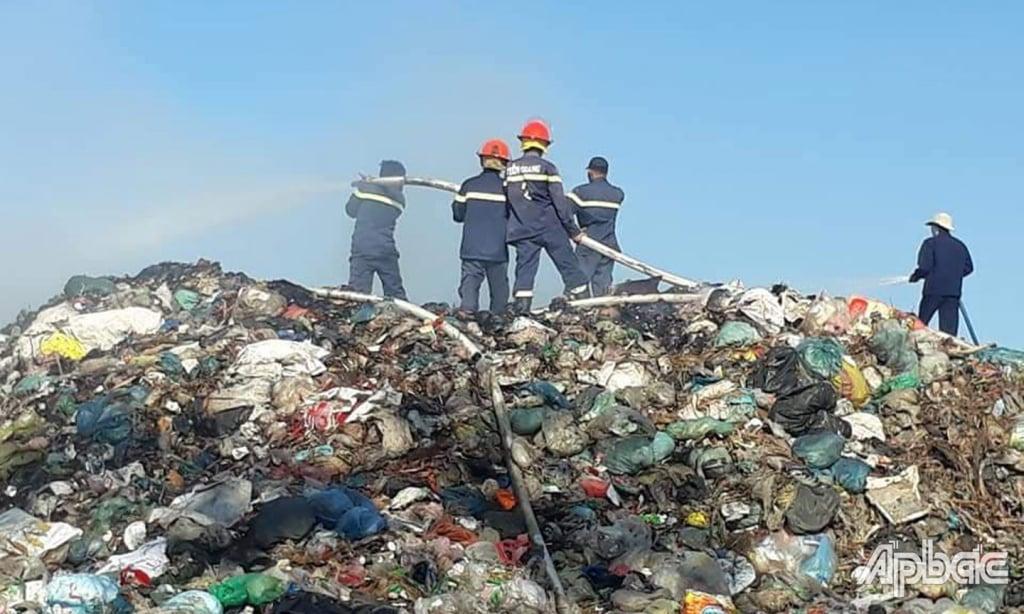 cháy bãi rác tiền giang