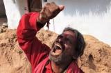 Người đàn ông mỗi ngày ăn 1 kg đất trong suốt 20 năm qua