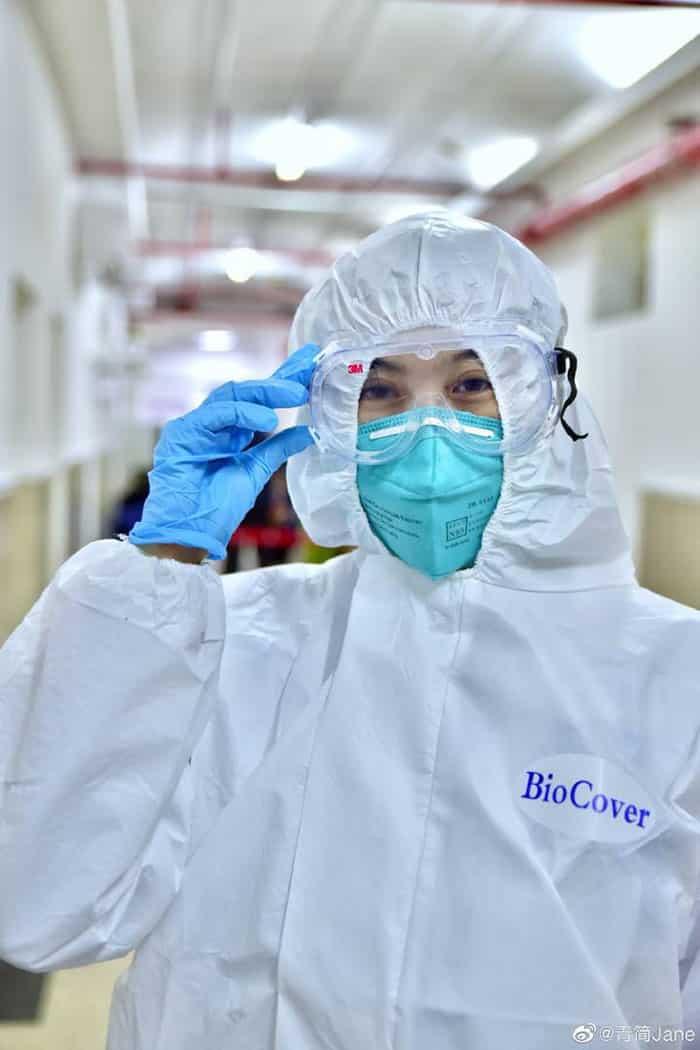 các nhân viên y tế tại ổ dịch virus corona Vũ Hán