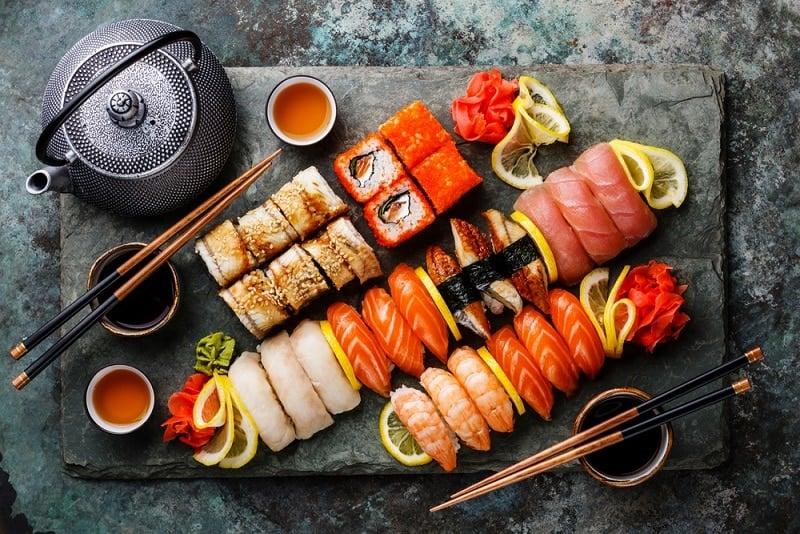 Ăn sushi