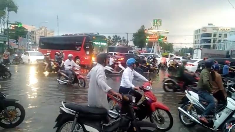 cà mau mưa lớn