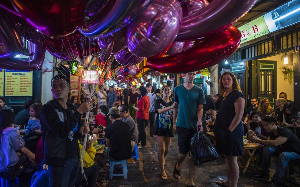 đóng cửa quán bar, virus Vũ Hán