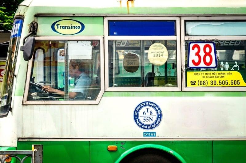 xe buýt, viêm phổi vũ hán