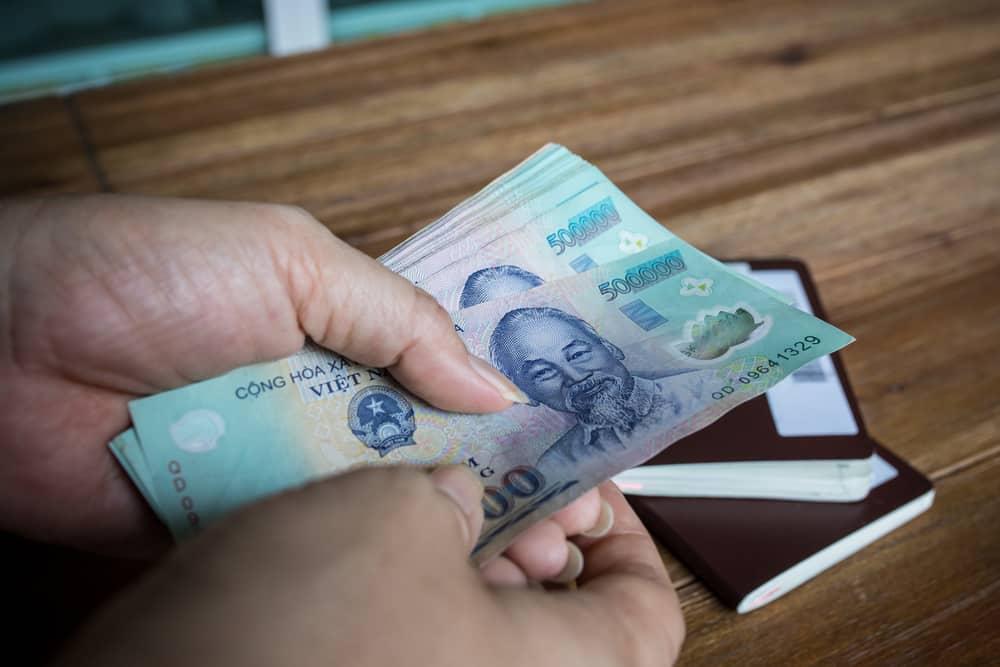 Quảng Ngãi, cán bộ xã ăn chặn tiền dân