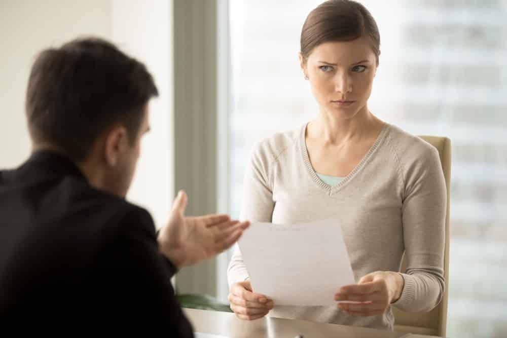 5 điều bạn đánh giá người khác tiết lộ về chính bản thân bạn