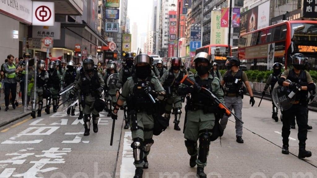 Hình ảnh cảnh sát Hồng Kông ngày 13/10/2019 tham gia trấn áp cuộc biểu tình của người Hồng Kông.