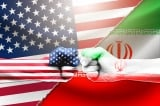 Tàu cảnh sát biển Mỹ bắn cảnh cáo tàu Iran gần Eo biển Hormuz
