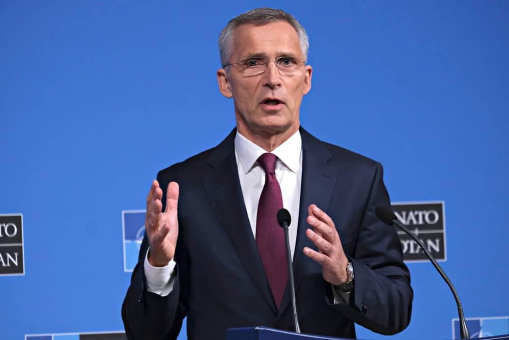 Ngày 26/6/2019, Tổng thư ký NATO Jens Stoltenberg phát biểu tại một cuộc họp báo về kết quả cuộc họp các Bộ trưởng Ngoại giao NATO tại trụ sở NATO ở Brussels, Bỉ.