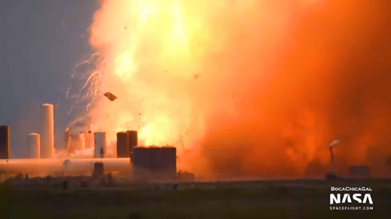 Video: Nguyên mẫu Starship của SpaceX bỗng nổ tung khi đang thử nghiệm