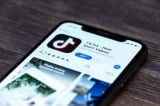 Chính quyền Biden bãi bỏ danh sách các giao dịch với TikTok, WeChat bị cấm