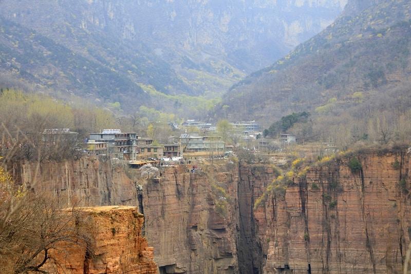 ngôi làng nguy hiểm nhất thế giới