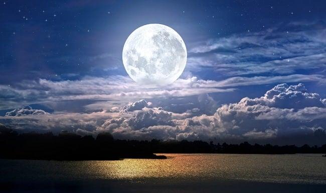 mua đất mặt trăng