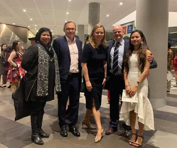 Từ một cô bé nhặt rác đến nhận học bổng của Đại học Melbourne