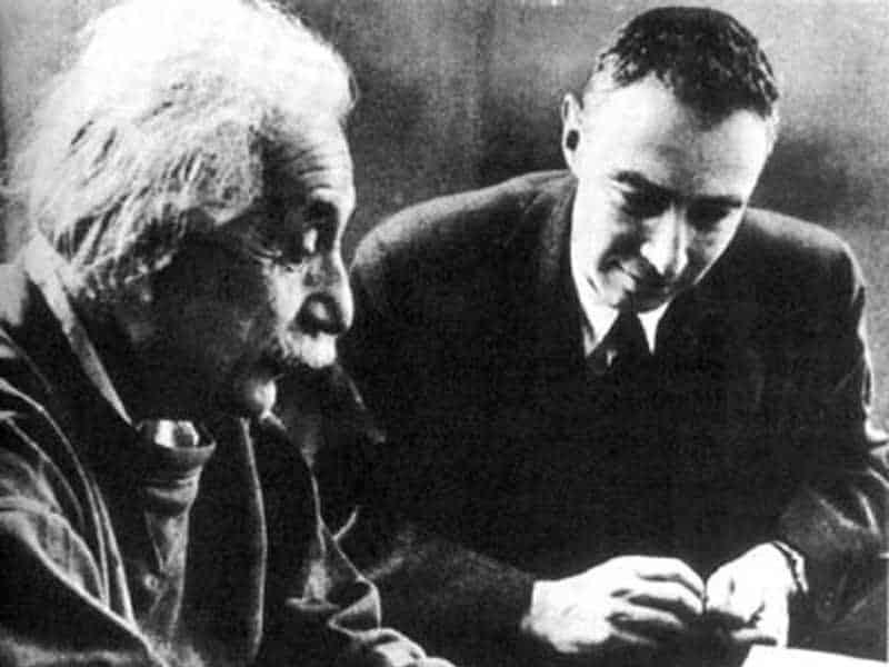 albert einstein, nhà bác học albert einstein, albert einstein quote , những câu nói của albert einstein, nhà khoa học albert einstein, danh ngôn của albert einstein