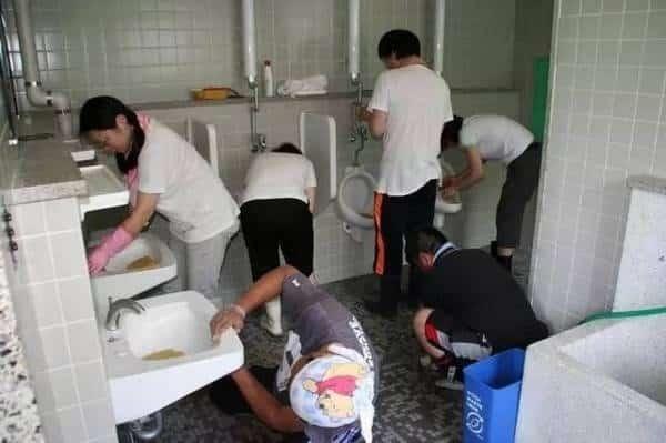 Ở Nhật, nhà vệ sinh nhất định sẽ có giấy.