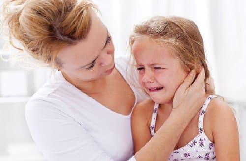 Kết quả hình ảnh cho trẻ giận dỗi dạy con