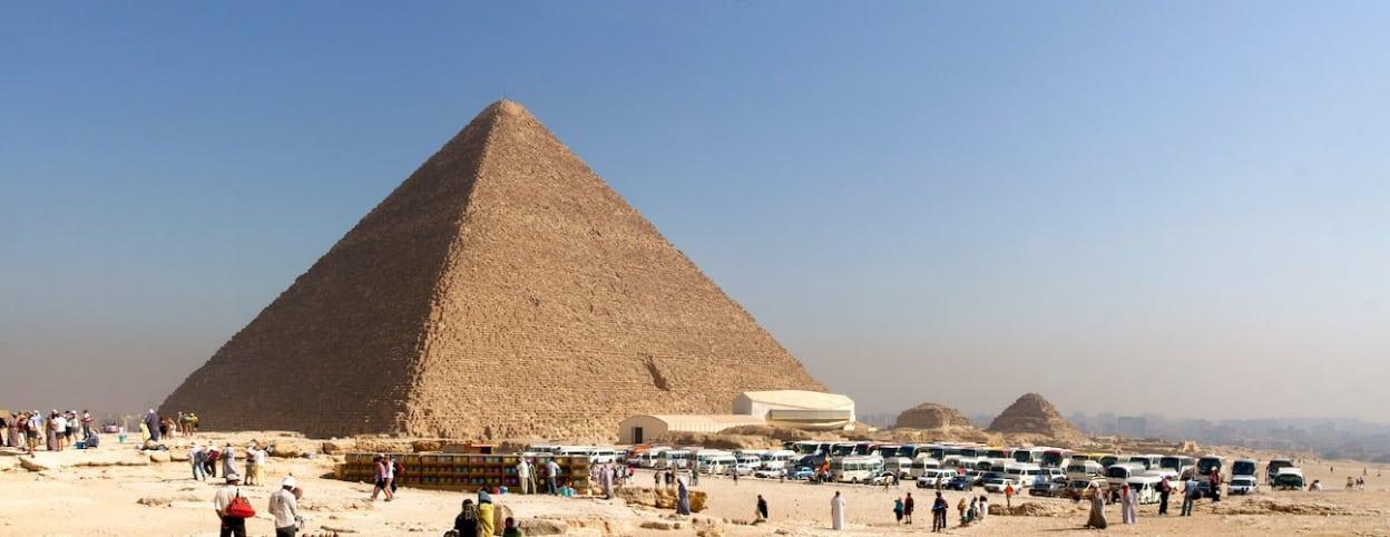 Kim tự tháp Giza (Ảnh: Wiki)
