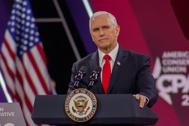 quan chức Nhà Trắng, Mike Pence